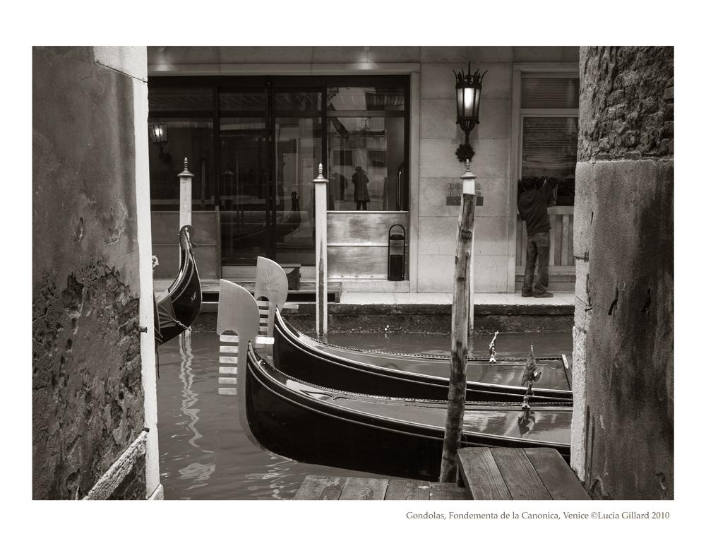 Gondolas, Fondementa de la Canonica - Venice in Winter