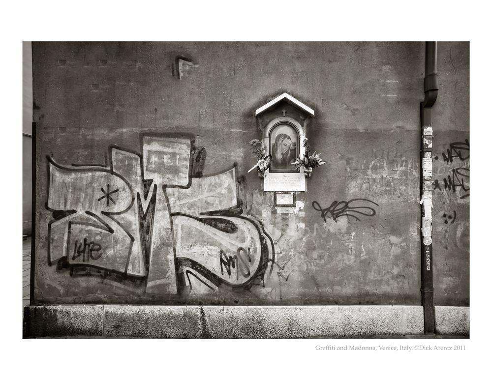 Grafitti-2011-8x10-Pd